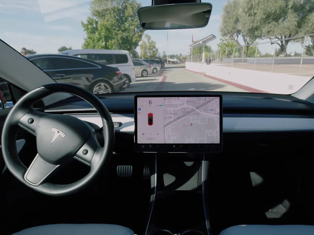 Tesla Smart Summon navigation